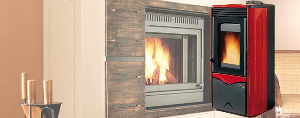 Estufa de Pellets Biomasa prendida calefaccionando ecológicamente